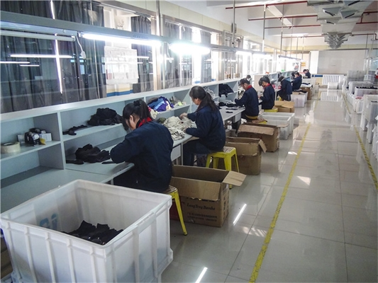 Custom Private Label Sock Manufacturer in China | Factory