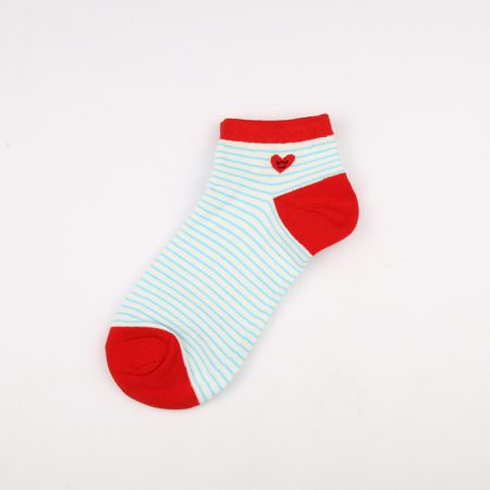 Private label crew socks girls basic socks thick yarn-big red