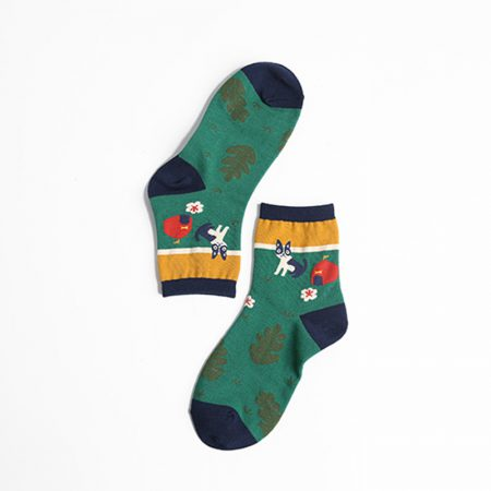 illustration home private label crew socks-camping cat